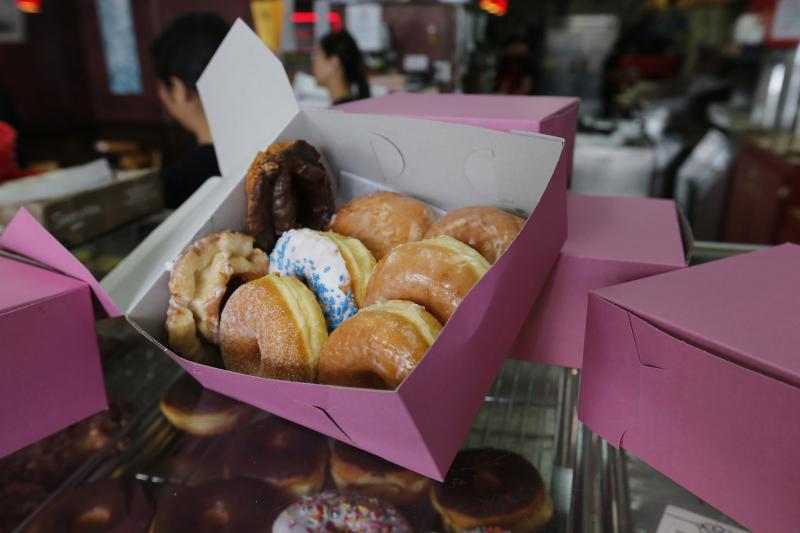 La-fi-pink-donut-boxes-20170523-012